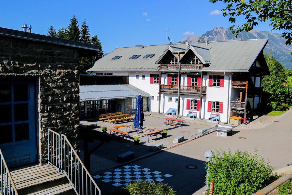 Jugendherberge Oberstdorf mit Außengelände