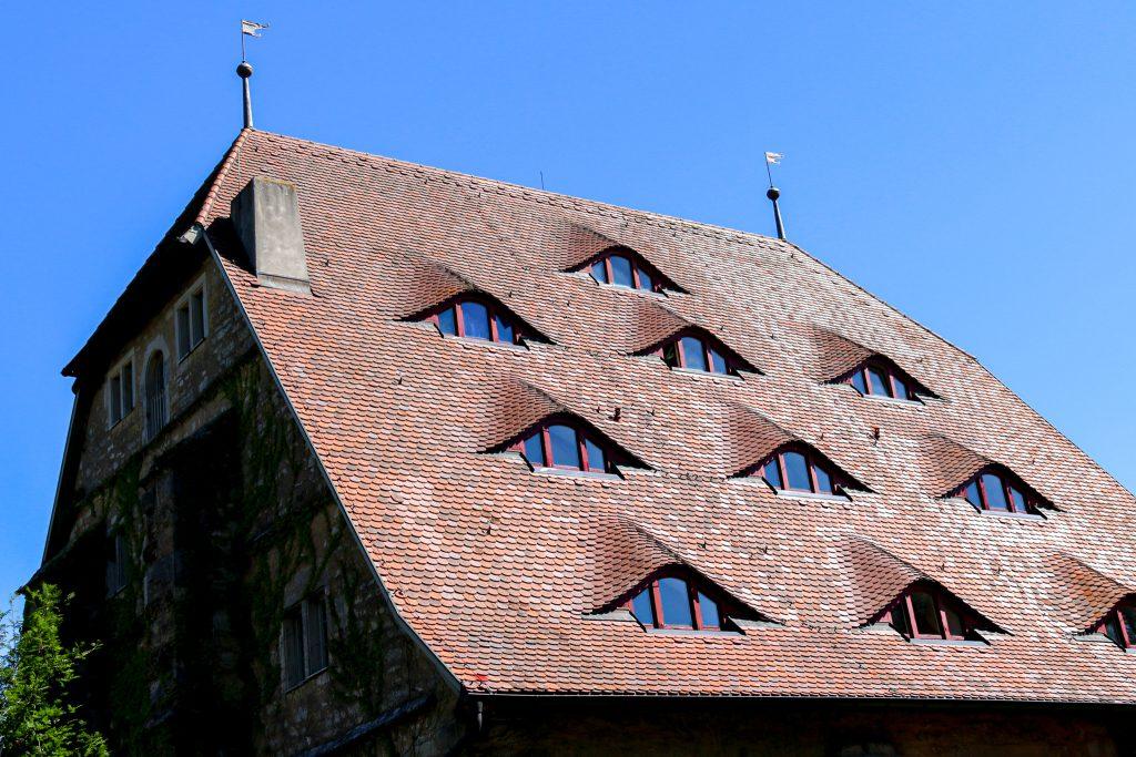 Dach der Jugendherberge in Rothenburg Fachwerkshaus
