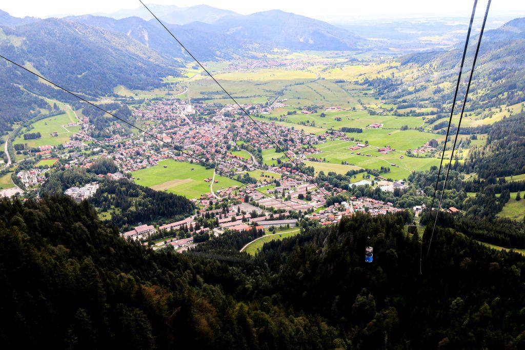Panorama über Oberammergau von der Seilbahn aus